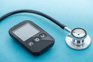 glucometer-stethoscope